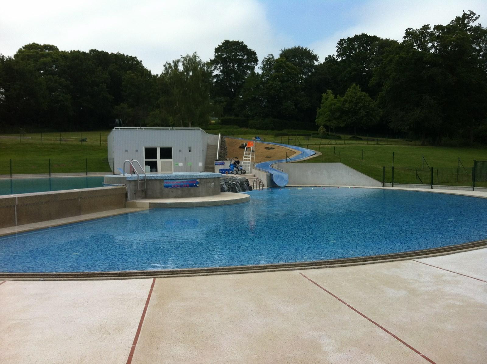 Centre de loisirs guenrouet r fection des bassins et for Piscine arras aquarena